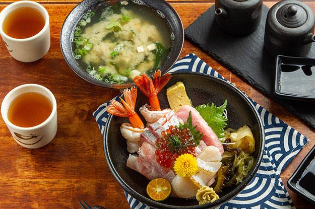 五漁村丼飯屋 我們堅持樸實、新鮮、服務